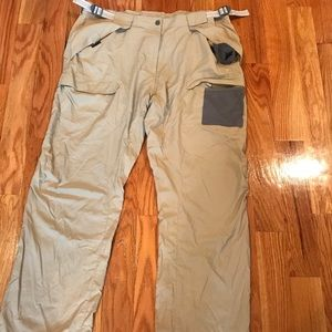 Under Armour wind barker pants Size XL